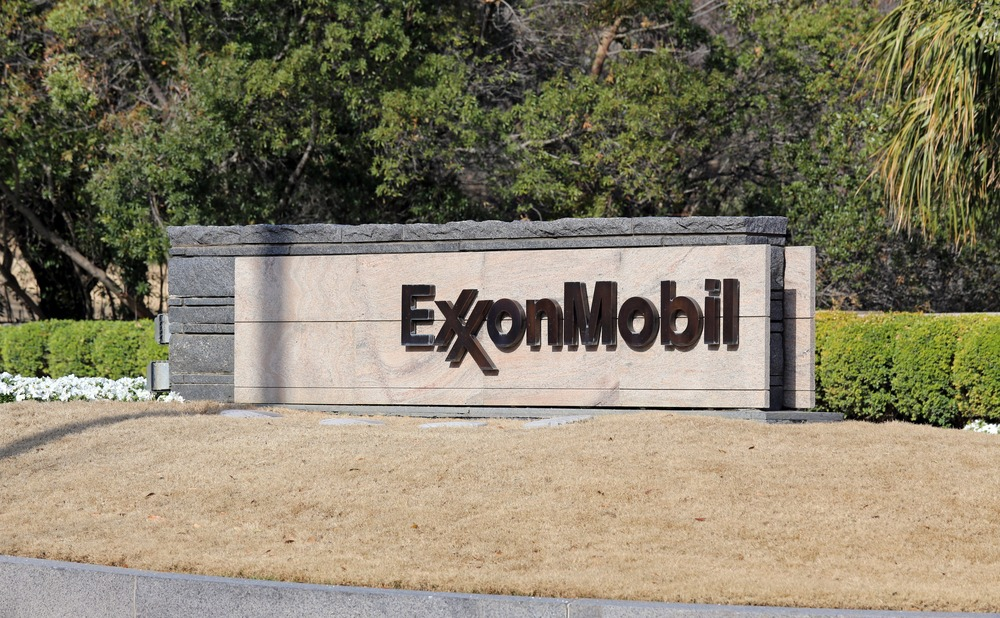 Exxon, Other Refineries, Emitted Chemicals Into the Air During Harvey